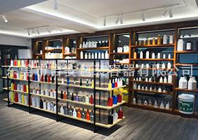 万博客户端手机版manbetx官方网站二楼胶水瓶、机油瓶、机油罐展区